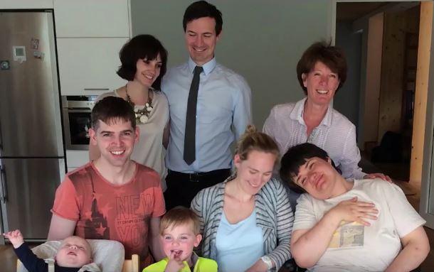 Loslassen_Videostill_Familie