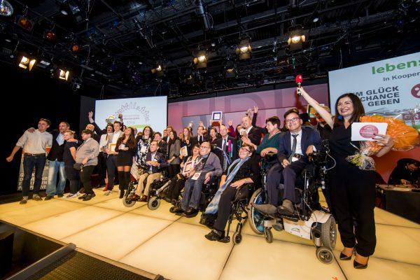 Abschlussfoto Inklusionspreis 2019 - Kopie