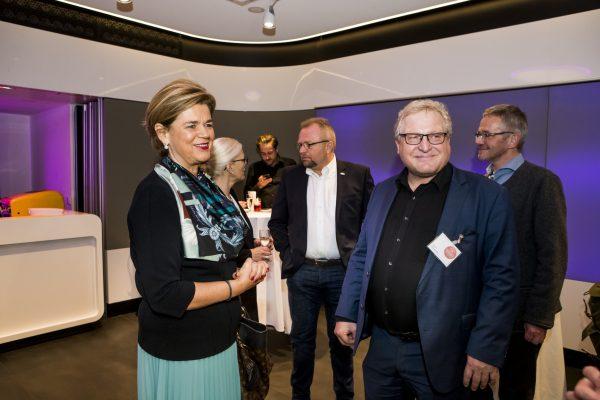 Mag. Bettina Glatz-Kremsner (Österreichische Lotterien) mit Albert Brandstätter (LHÖ)